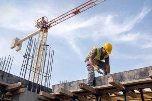 byggare på byggarbetsplats